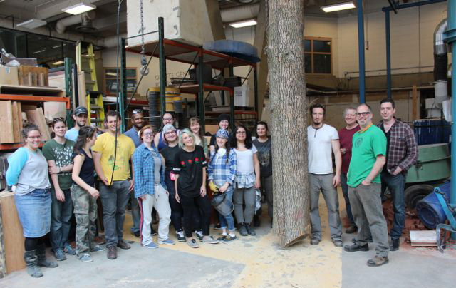 Maskull Lasserre with the students, faculty and technicians of the Intensive Sculpture Workshop