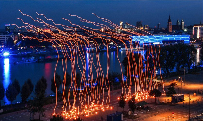 ars-electronica-image-of light-play-over-LInz