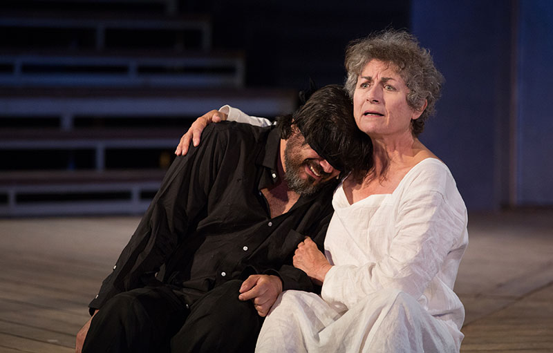 Jason Cadieux and Diane D'Aquila in King Lear