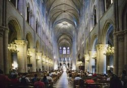 Interior photo of Notre Dame (via GlobalNews/Getty Images)
