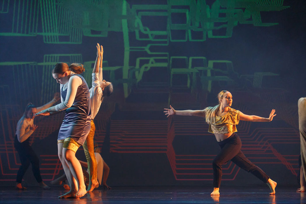 Dancers express themselves in Language of Landscape
